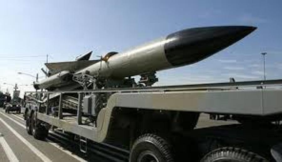 إيران تكشف قريباً عن 5 أسلحة جديدة وتهدد أميركا بقصف اسرائيل
