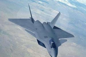 """الصين تكشف عن مقاتلاتها للجيل الخامس تشيندو """"J-20"""""""