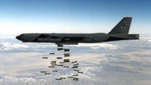 القوات الجوية الأمريكية تعيد القاذفة الاستراتيجية ستراتوفورتيس B-52 إلى الخدمة