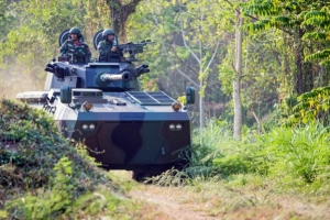 PT PINDAD AND TIMONEY SIGN CONTRACT AT IDEX FOR BADAK 6x6 MOBILITY SYSTEM UPGRADE